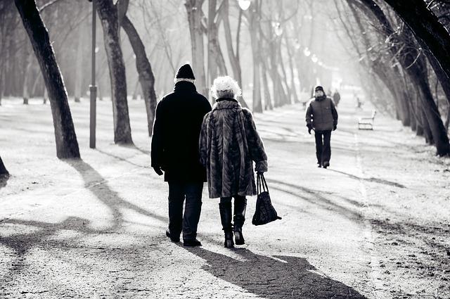 jubilados paseo parque