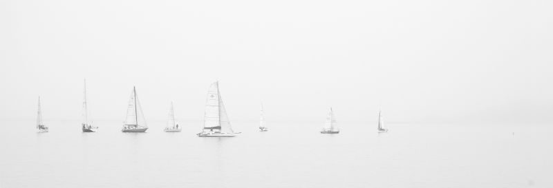 sea-black-and-white-ocean-boats-w800-h600