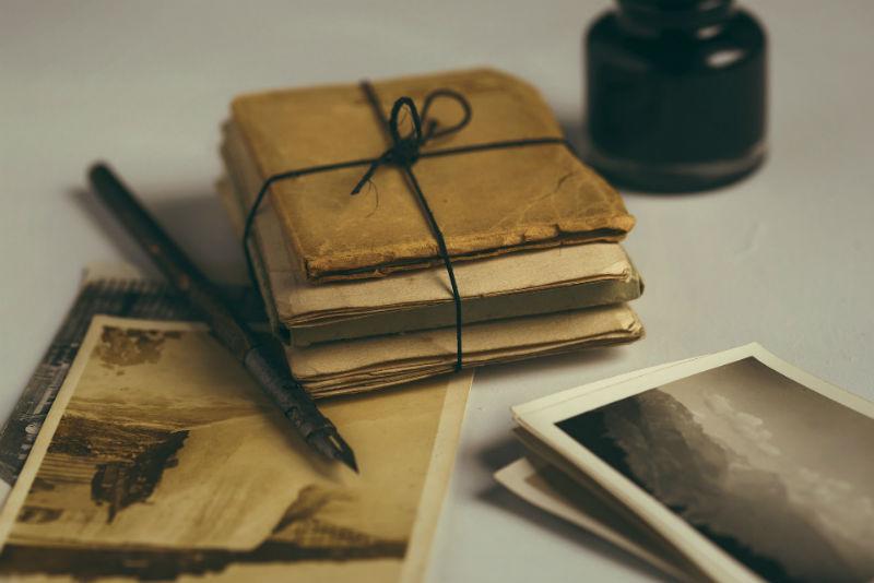 cartas tinta pluma sobre