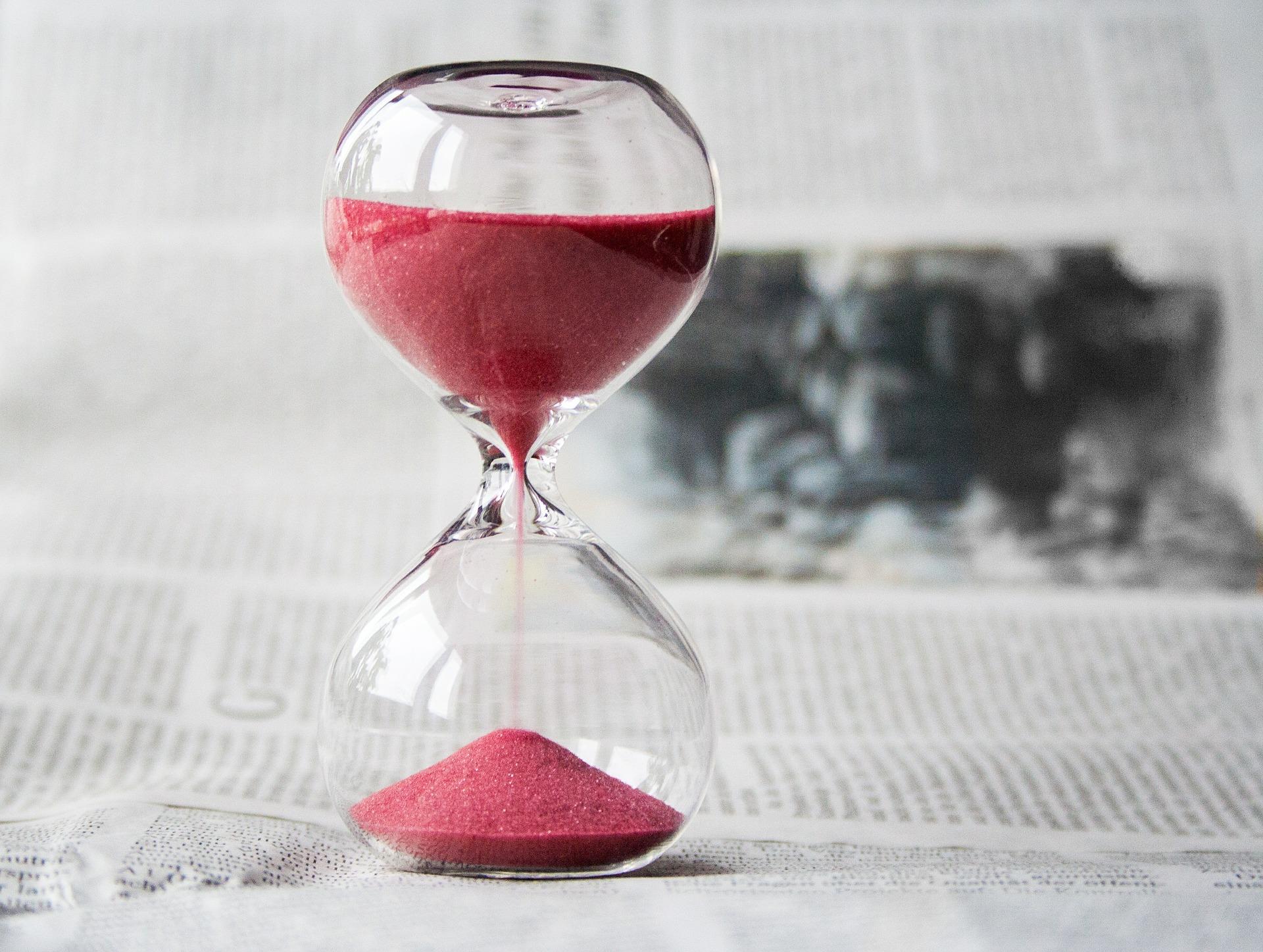 reloj arena periodico