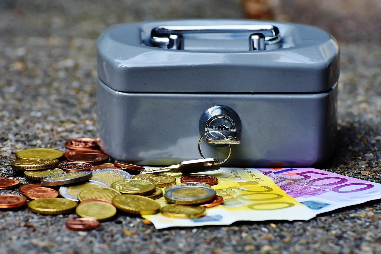 caja monedas billetes euro