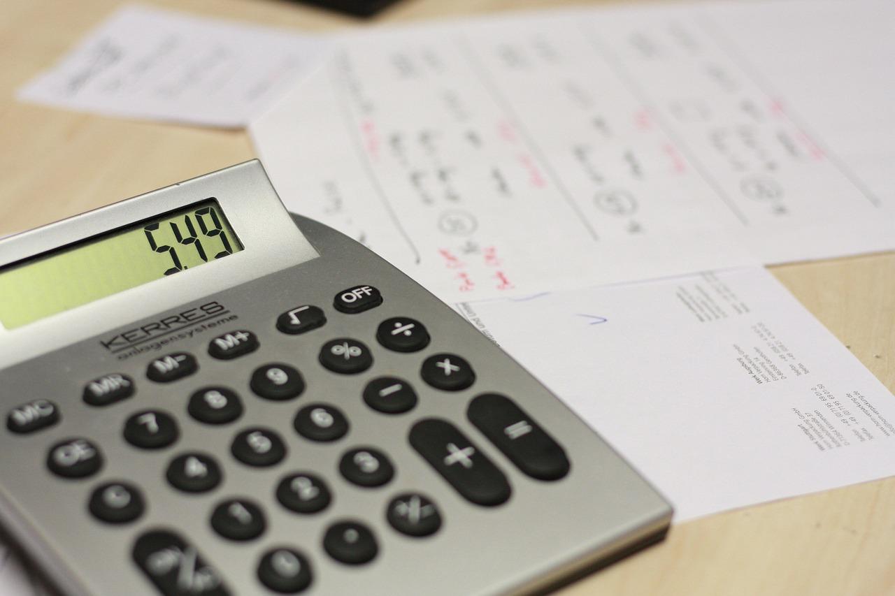 calculadora papeles documentos