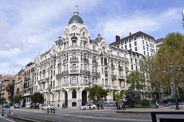 edificio madrid arquitectura clasica
