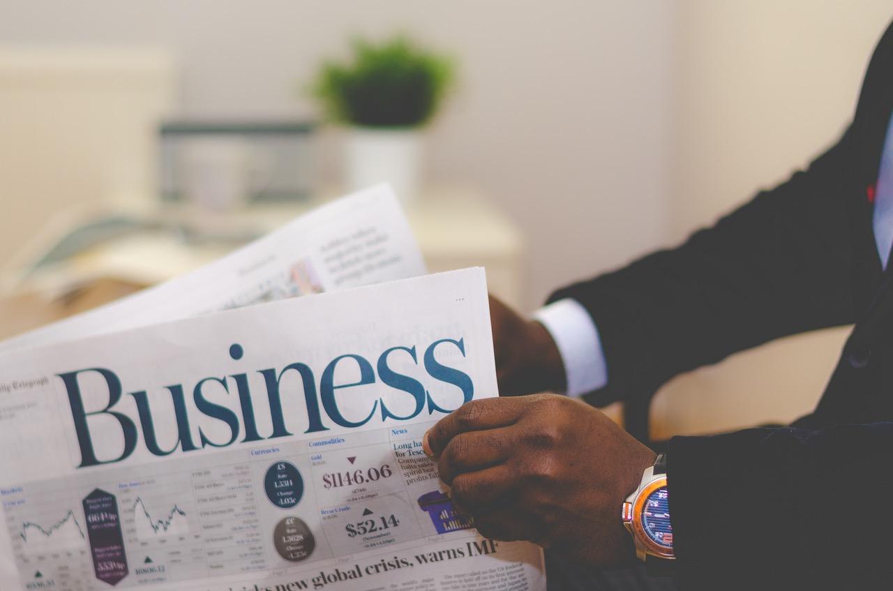 periodico business negocios reloj