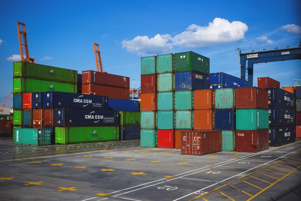 containers exportaciones cubos puerto