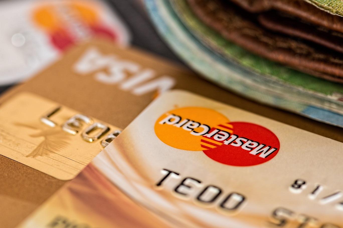 trajetas oro visa mastercard