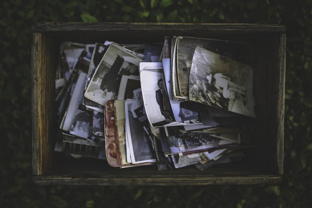 fotos antiguas caja recuerdos