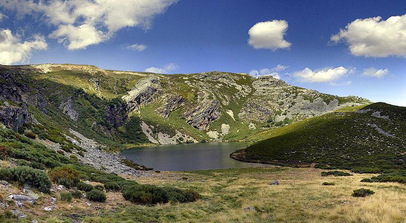 lago truchillas campo paisaje