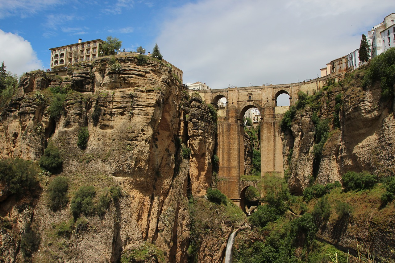 ronda puente piedra