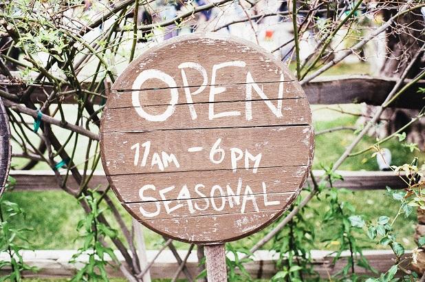 cartel open abierto