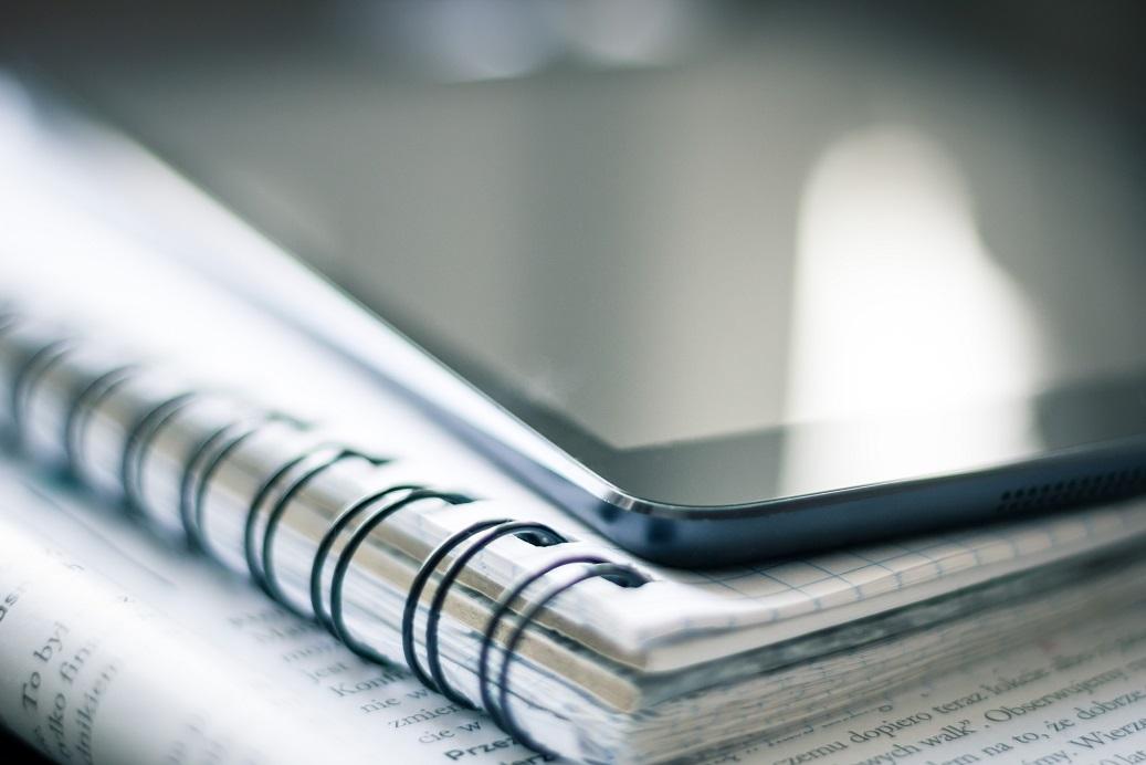 cuaderno papel anillas libros