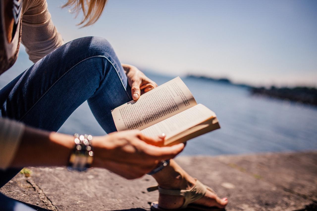 leer libro persona