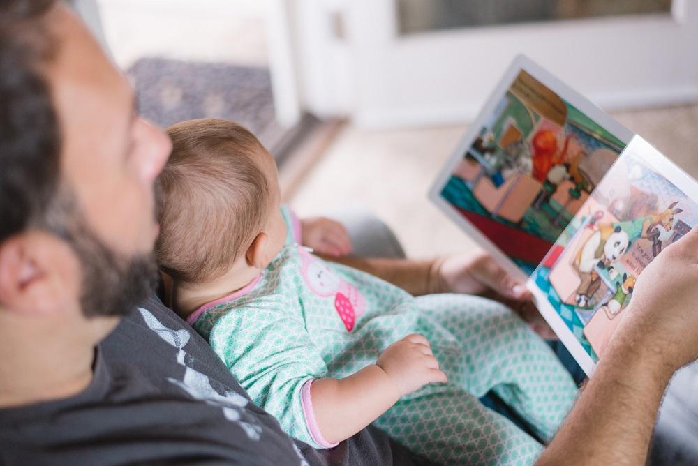 padre hijo lectura infantil