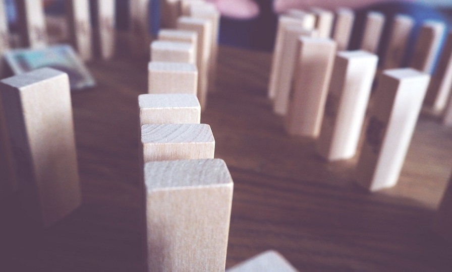 jenga piezas mesa