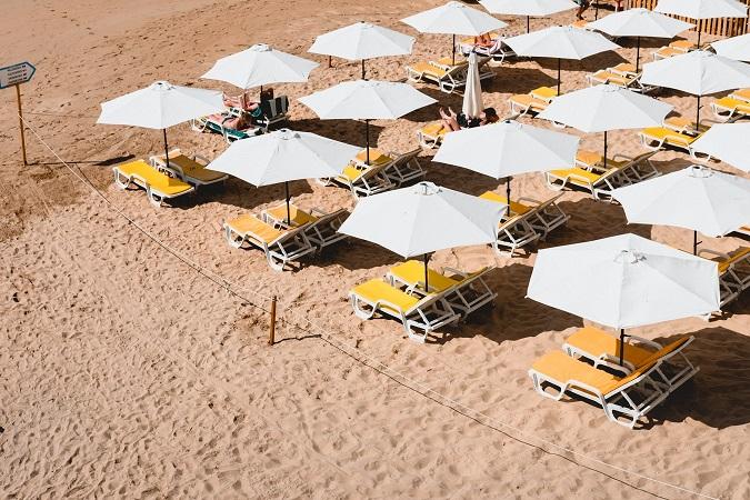 tumbonas sombrillas playa