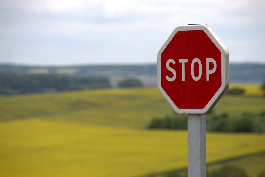 senal stop trafico