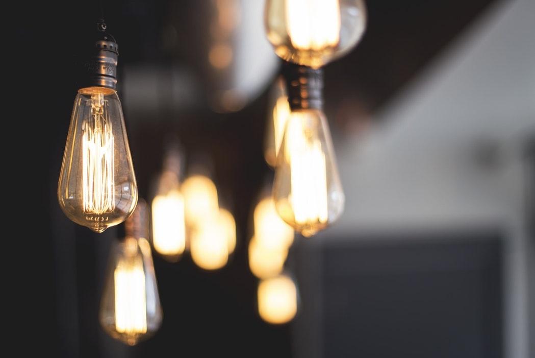 bombillas electricidad iluminacion